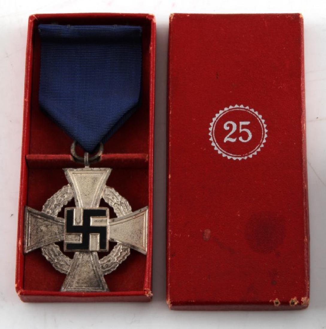 GERMAN WWII ORIGINAL CASED 25 YEAR SERVICE MEDAL