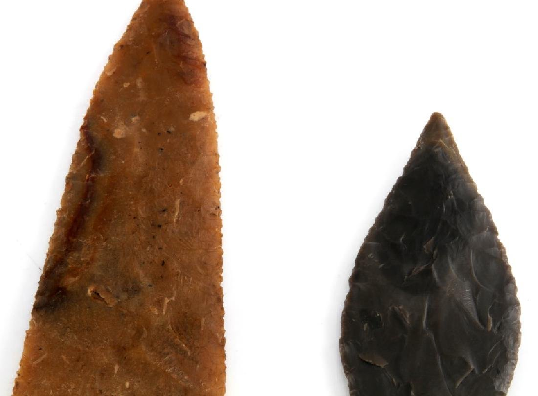 NATIVE AMERICAN HAND CARVED ARROWHEAD LOT OF TWO - 5