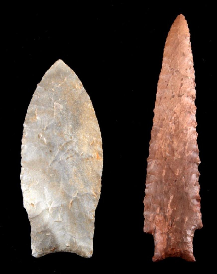 PAIR OF LITHIC LEAF & NEEDLE SHAPE ARROW POINT