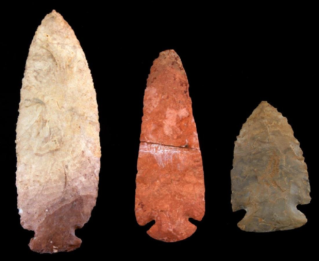 LOT OF 3 HAND CLEAVED ARCHAIC LITHIC ARROW POINTS