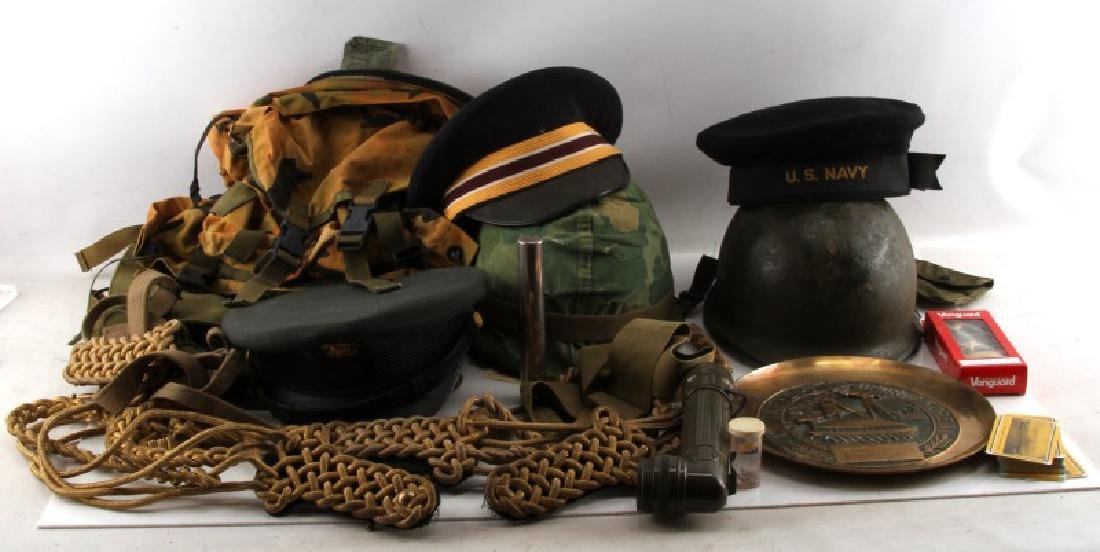 LARGE LOT OF MIXED MILITARY CONFLICT COLLECTIBLES