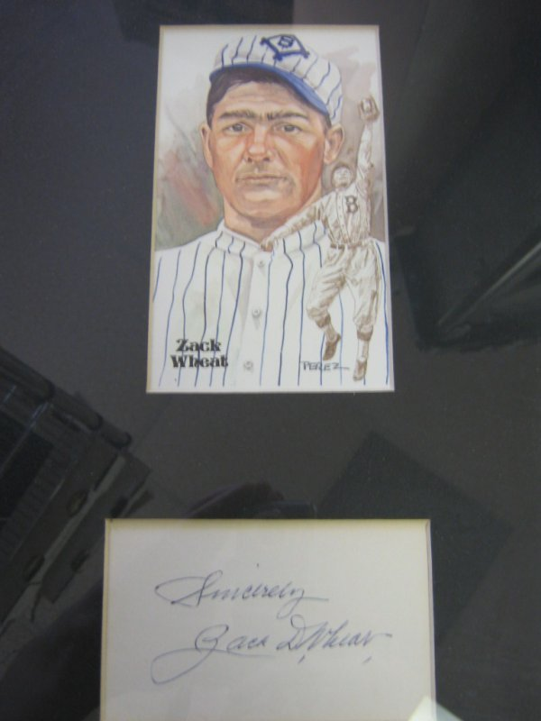 ZACK WHEAT AUTOGRAPH MOUNTED WITH ENGRAVED PHOTO