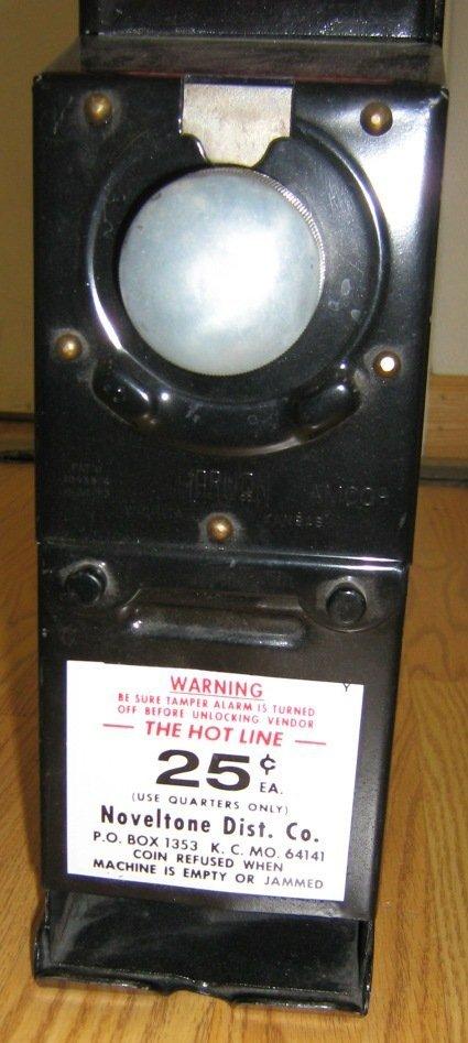 VINTAGE 1950'S 25 CENT CONDOM MACHINE - 4