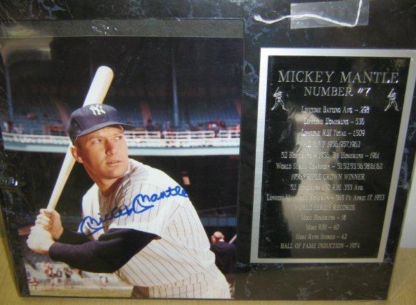 MICKEY MANTLE SIGNED PHOTO & COMMEMORATIVE PLAQUE
