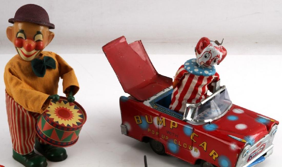 VINTAGE TIN LITHO CIRCUS TOY CLOWN AND CAR LOT - 2