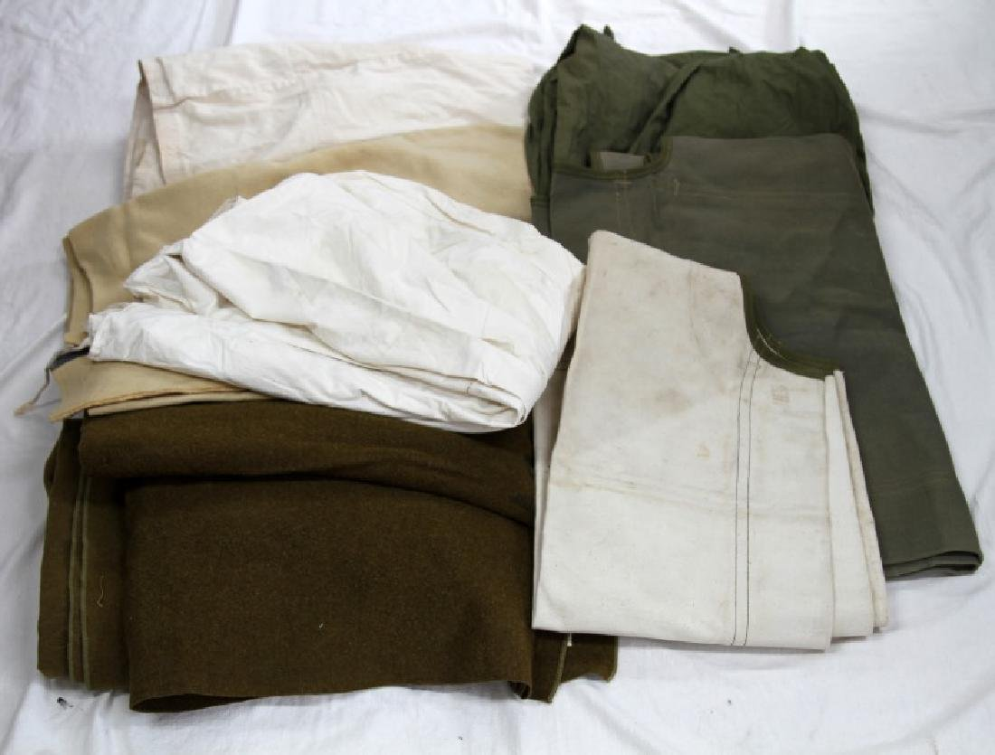 US MILITARY LOT OF VARIOUS BLANKETS AND BAGS