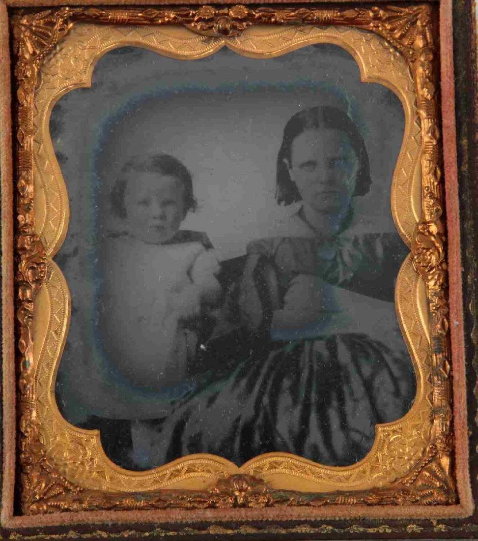 19TH CENTURY PHOTO DAGUERREOTYPES AND CASES - 2