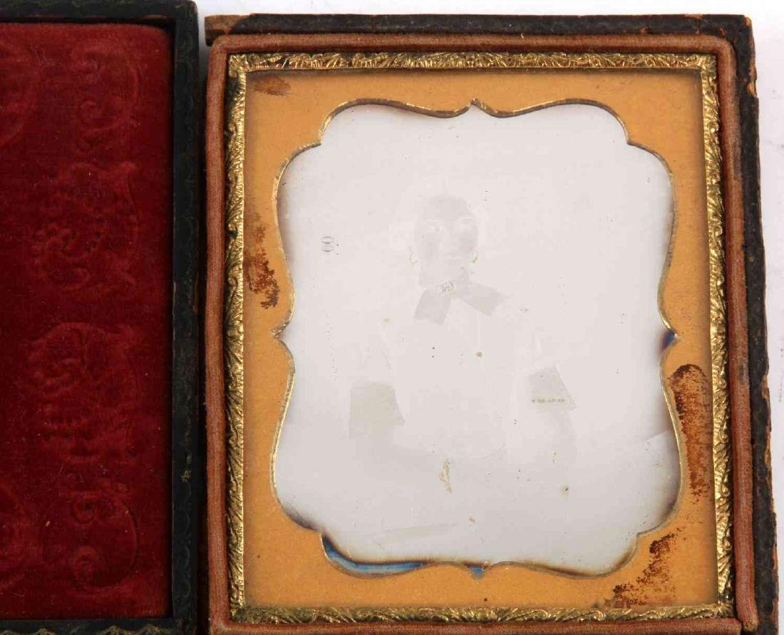 19TH CENTURY PHOTO DAGUERREOTYPES AND CASES - 3