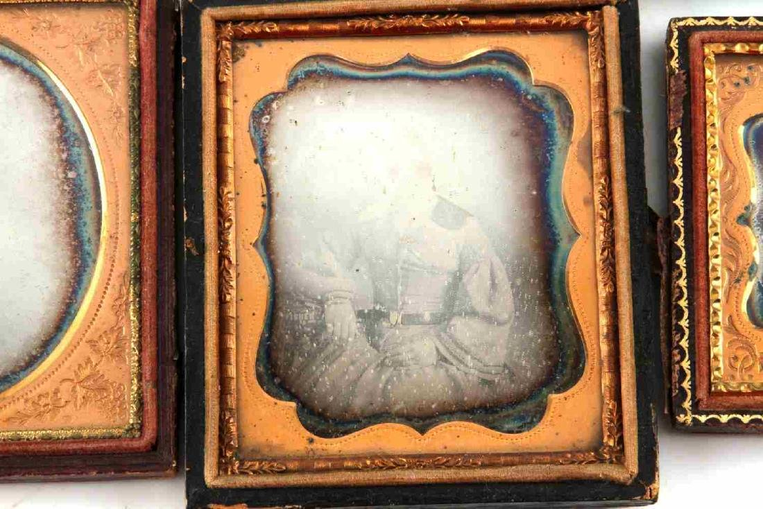 19TH CENTURY PHOTO DAGUERREOTYPES AND CASES - 5