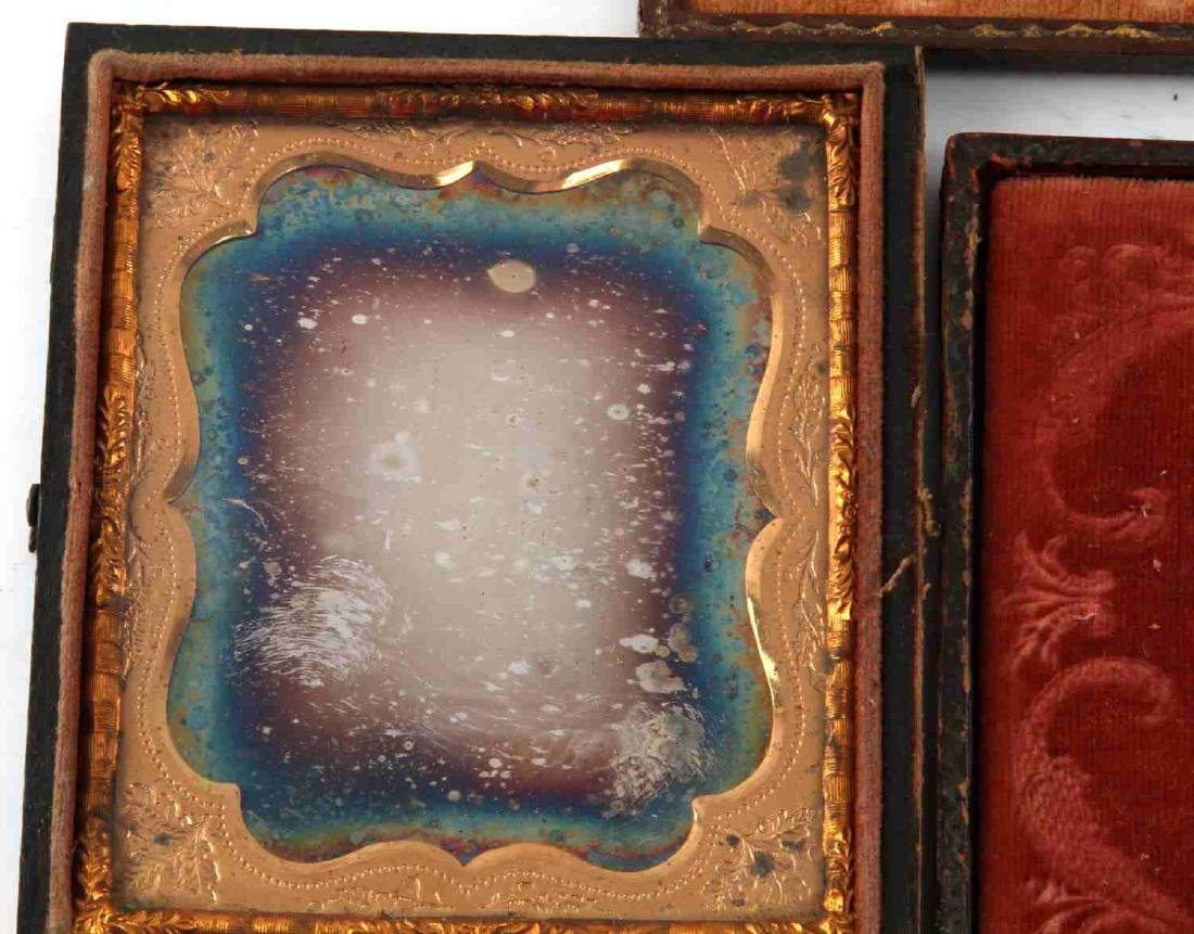 19TH CENTURY PHOTO DAGUERREOTYPES AND CASES - 7