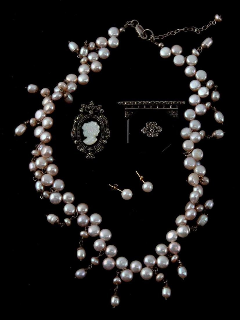 CULTURED PEARL CAMEO & VICTORIAN MOURNING PIN LOT