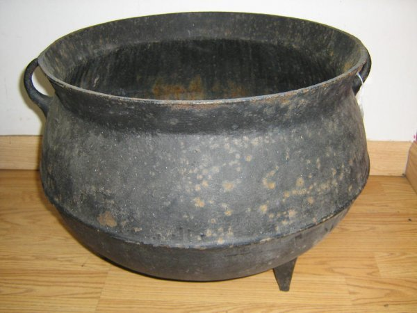 Antique Cast Iron ~ Antique cast iron wash pot value best