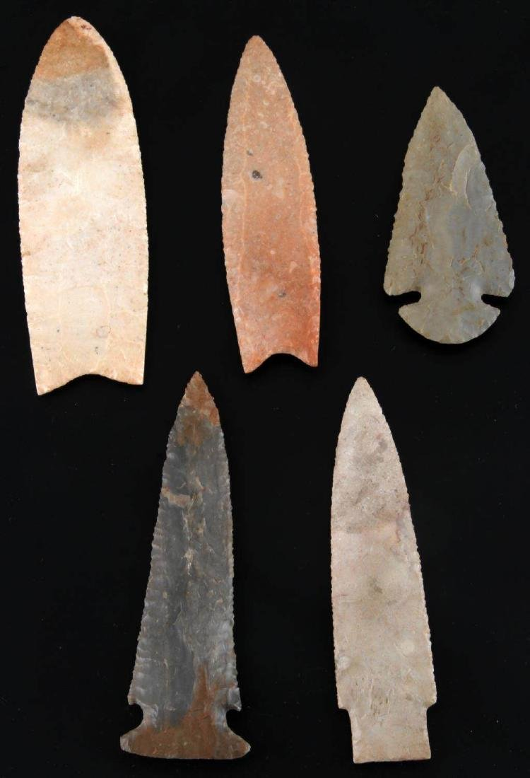 LOT OF 5  ARCHAIC DOVETAIL ARROWHEAD NEOLITHIC - 2