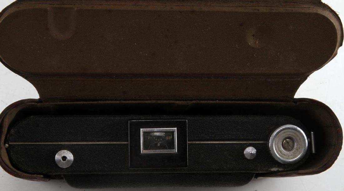 KODAK SIX-16 CAMERA IN BROWN LEATHER FIELD CASE - 5