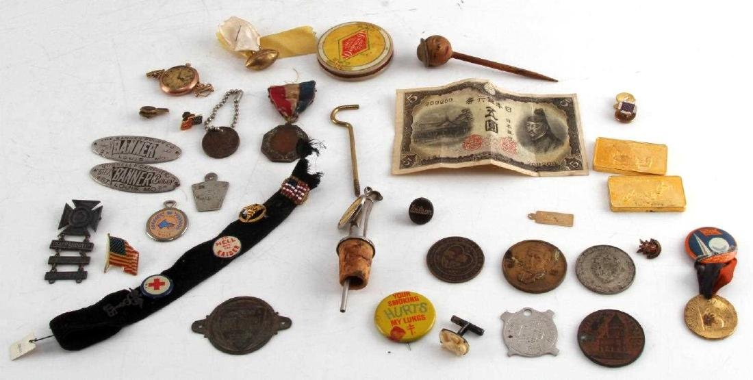 LOT OF MISCELLANEOUS COLLECTIBLES TRINKETS GOLD