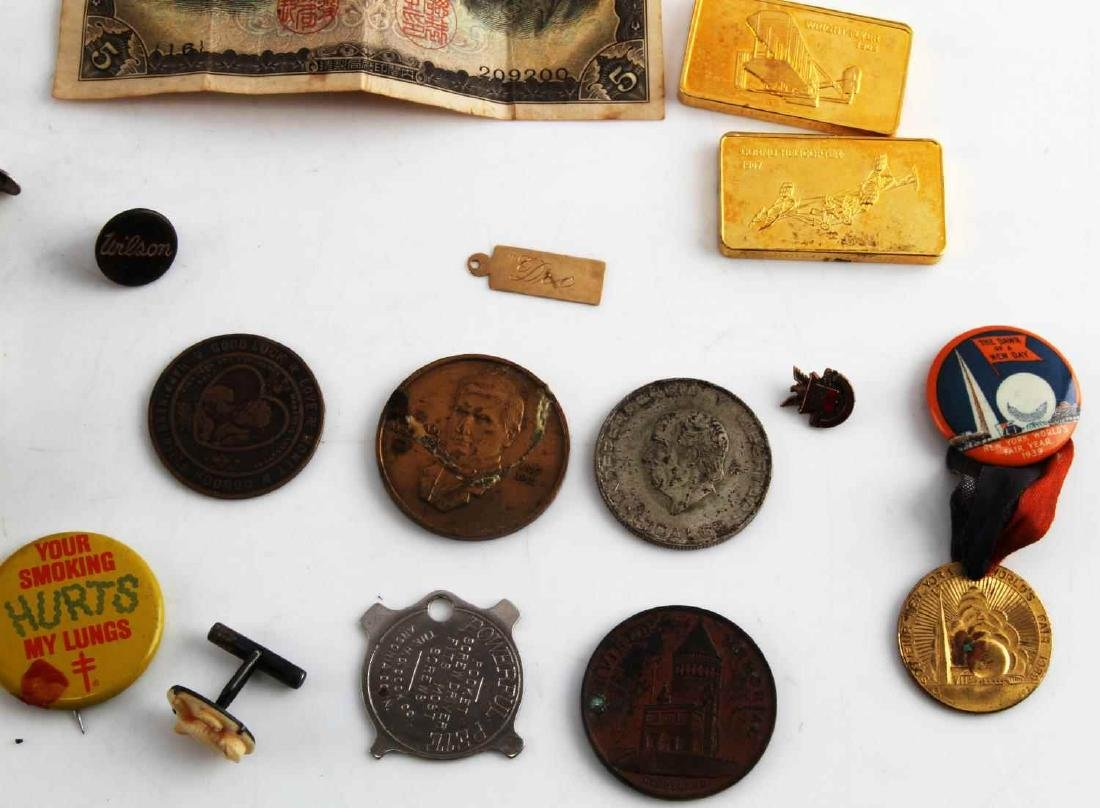 LOT OF MISCELLANEOUS COLLECTIBLES TRINKETS GOLD - 2