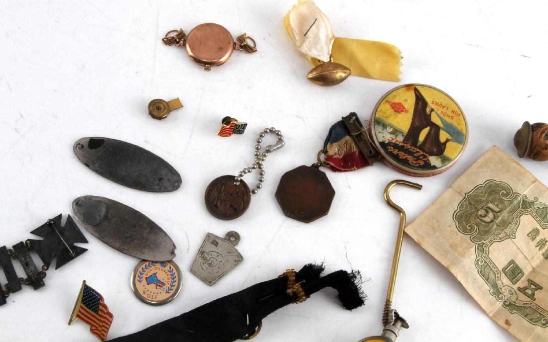 LOT OF MISCELLANEOUS COLLECTIBLES TRINKETS GOLD - 7