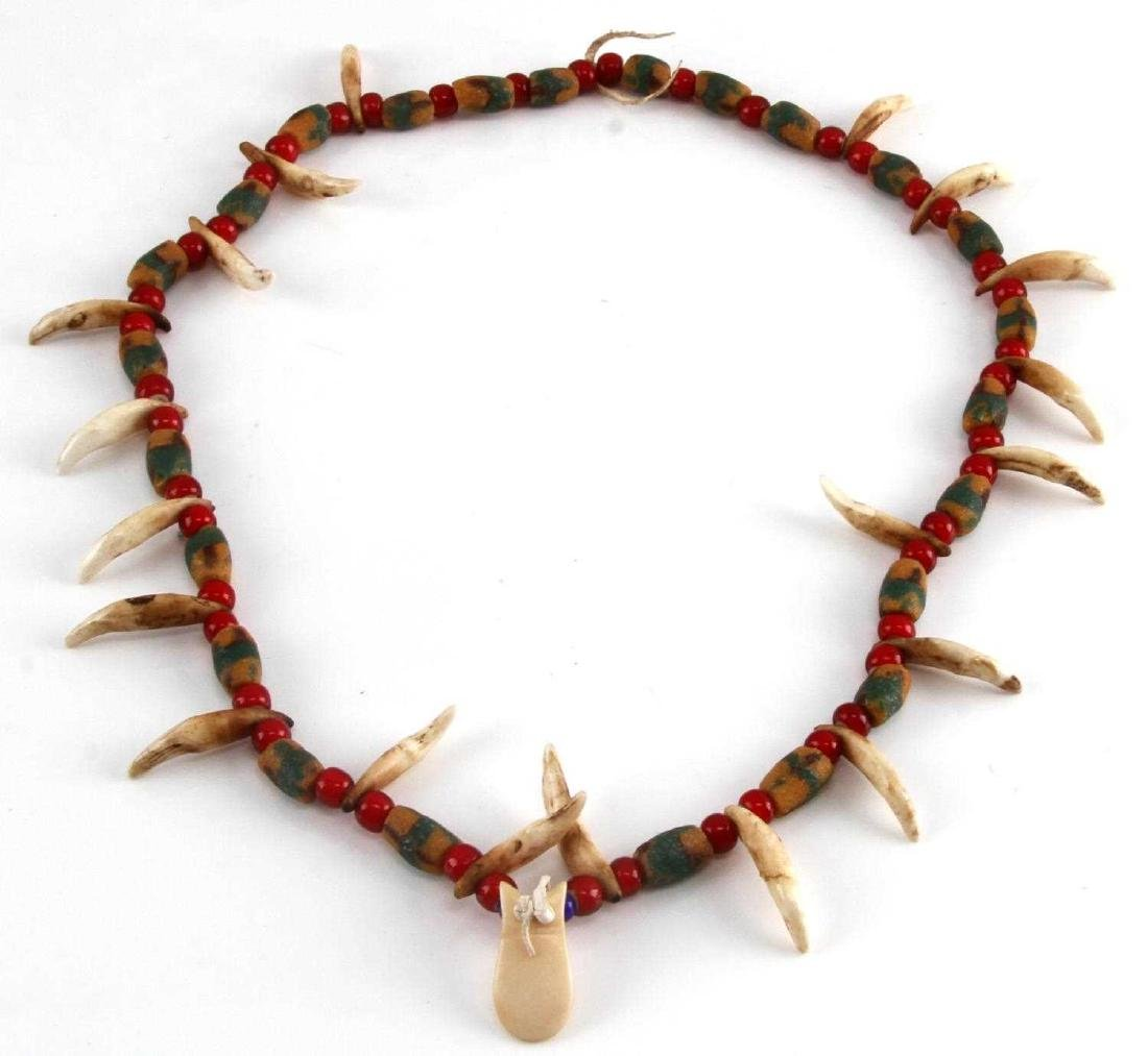 NORTHERN PLAINS SIOUX COYOTE TOOTH & BEAD NECKLACE