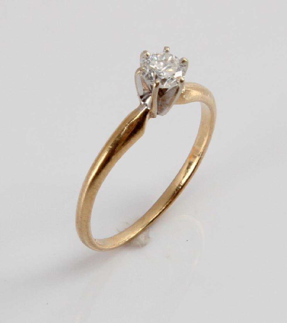 14KT GOLD 1/4CT DIAMOND SOLITAIRE ENGAGEMENT RING - 3