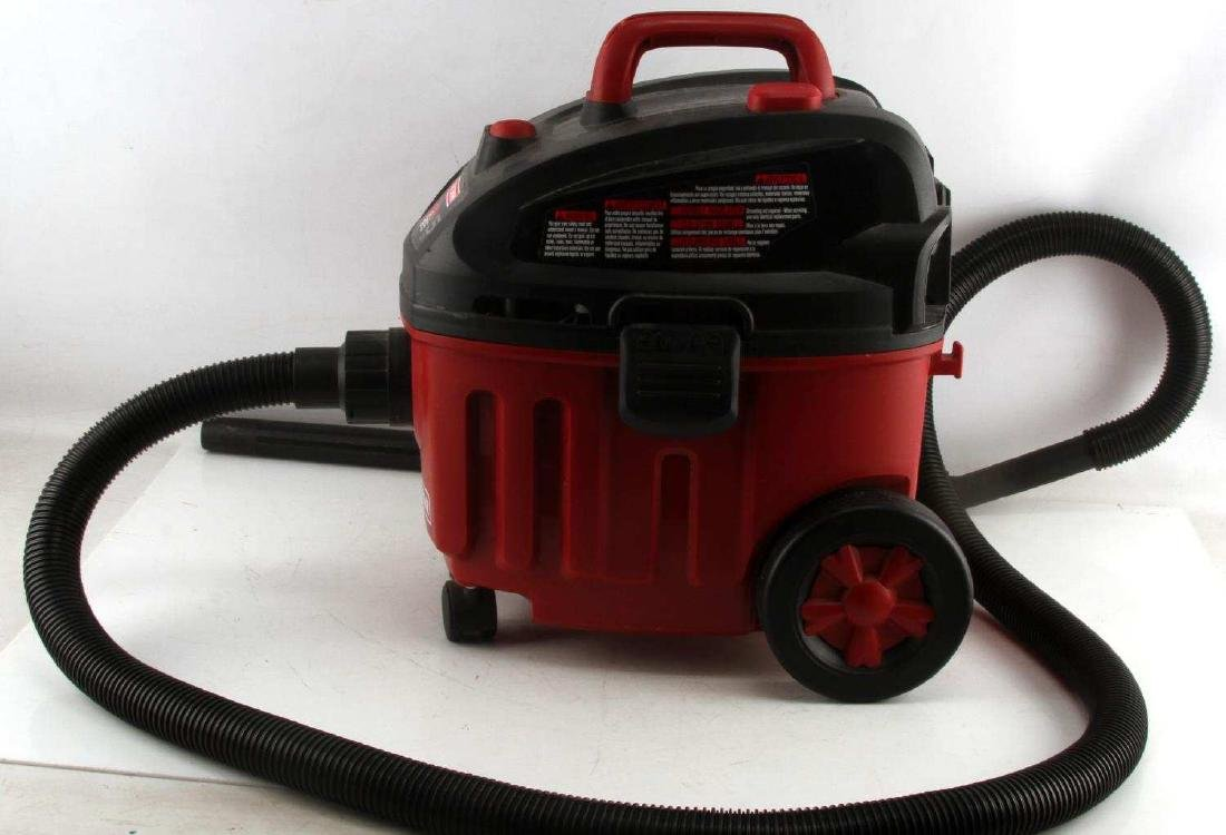 LIKE NEW CRAFTSMAN WET DRY VAC 4 GALLON 5HP