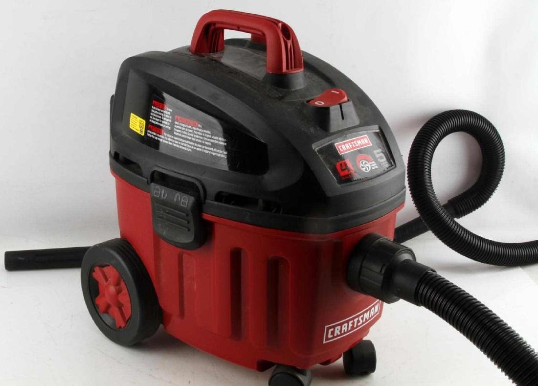 LIKE NEW CRAFTSMAN WET DRY VAC 4 GALLON 5HP - 3