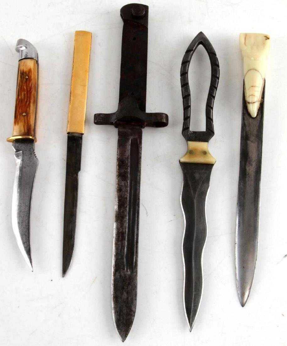 VINTAGE DAGGER AND BAYONET LOT OF FIVE