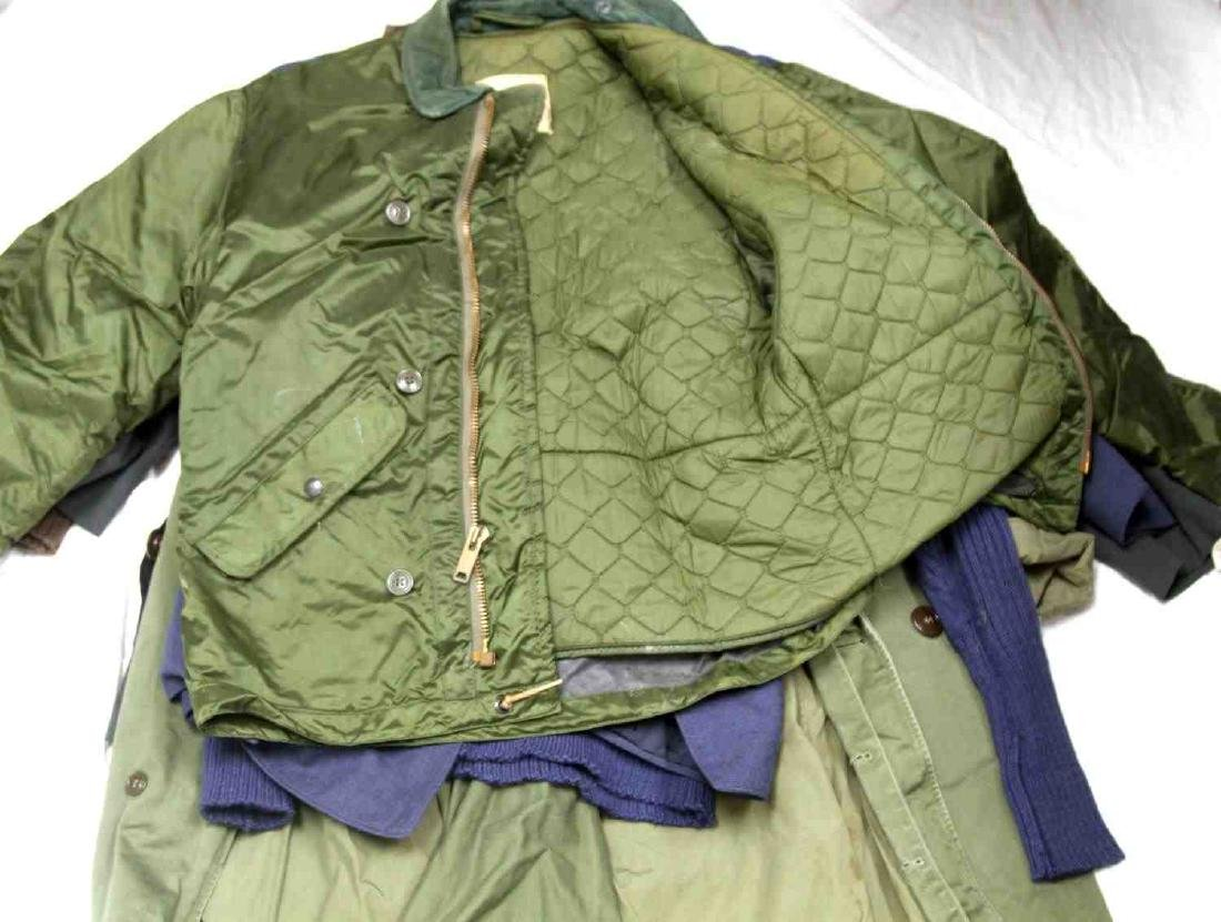 ASSORTED US MILITARY CLOTHING & UNIFORM LOT - 5