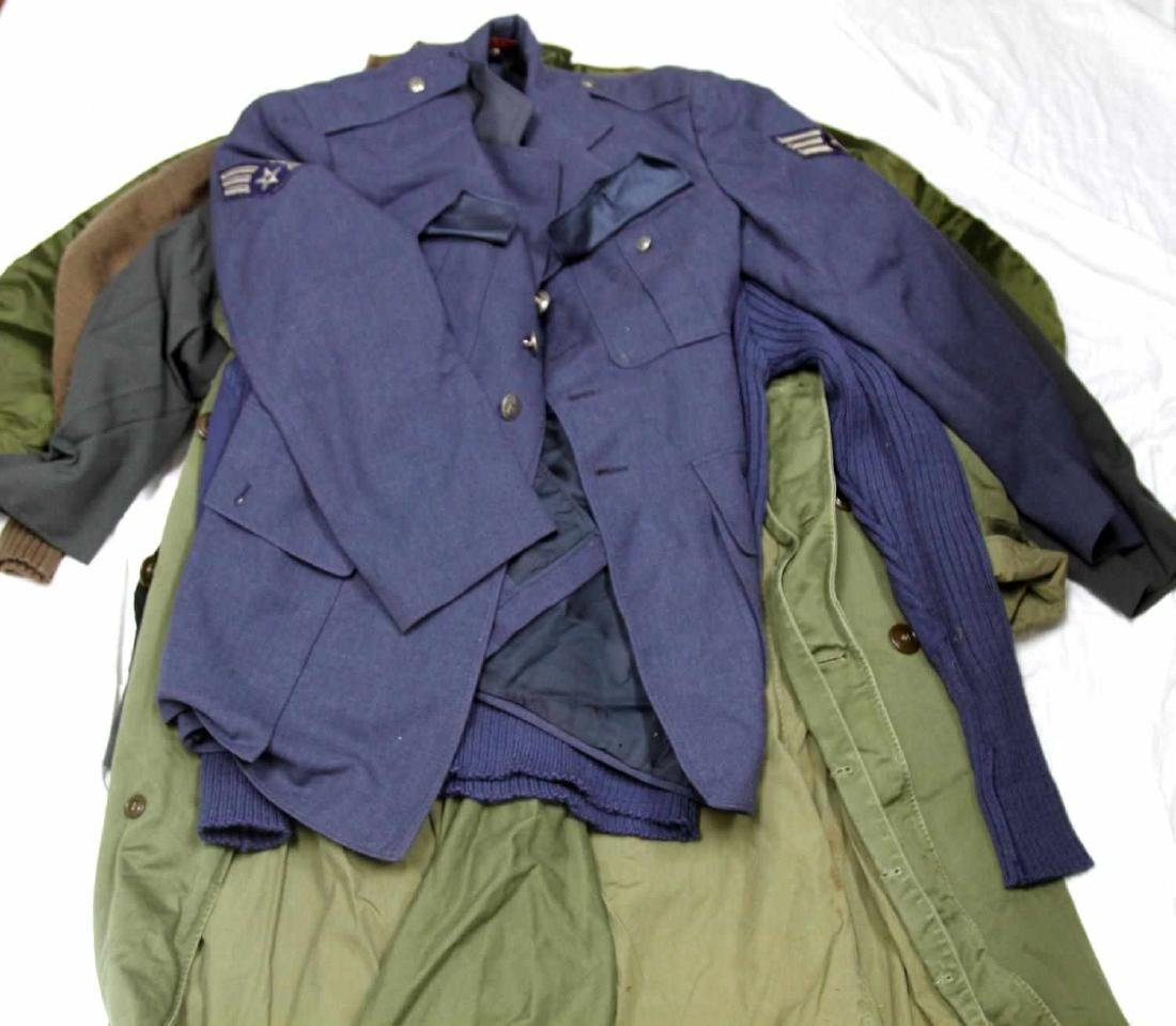 ASSORTED US MILITARY CLOTHING & UNIFORM LOT - 6