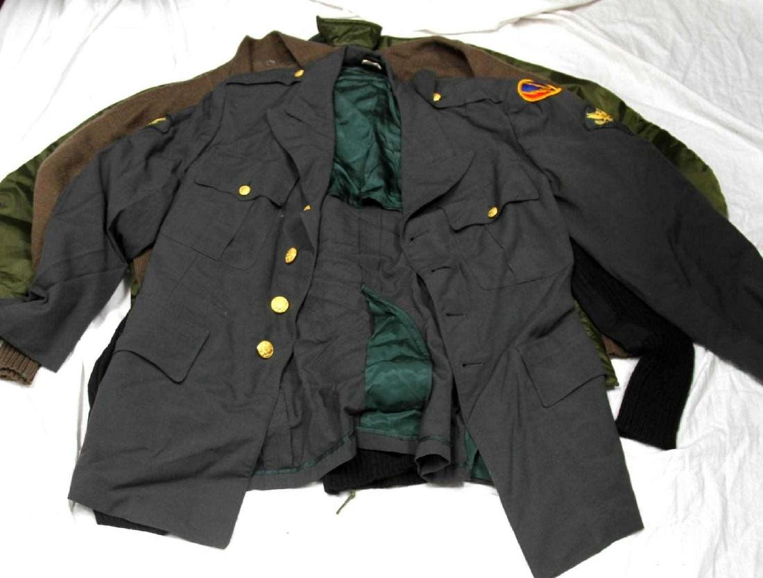 ASSORTED US MILITARY CLOTHING & UNIFORM LOT - 8