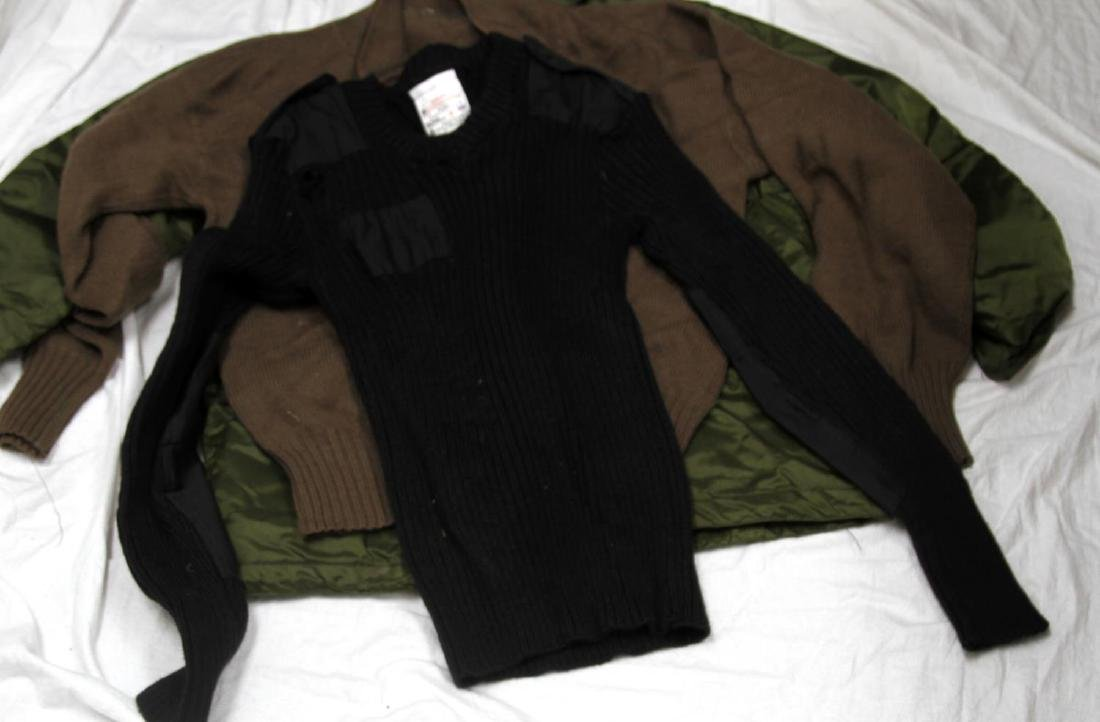 ASSORTED US MILITARY CLOTHING & UNIFORM LOT - 9