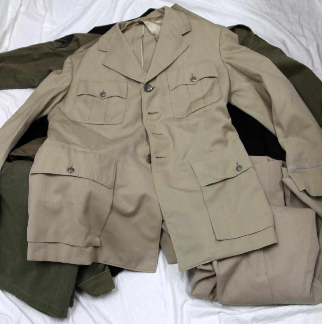 MIXED LOT OF US MILITARY MULTI CONFLICT UNIFORM