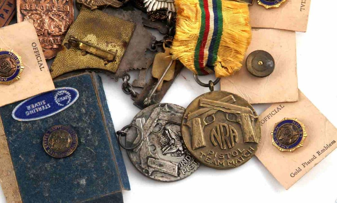 US MILITARY MULTI CONFLICT BADGE MEDAL ITEM LOT - 9