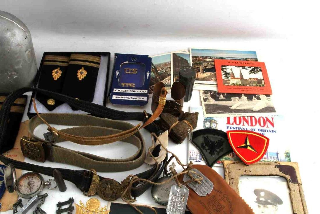 LOT OF MISCELLANEOUS US MILITARY COLLECTIBLES - 3