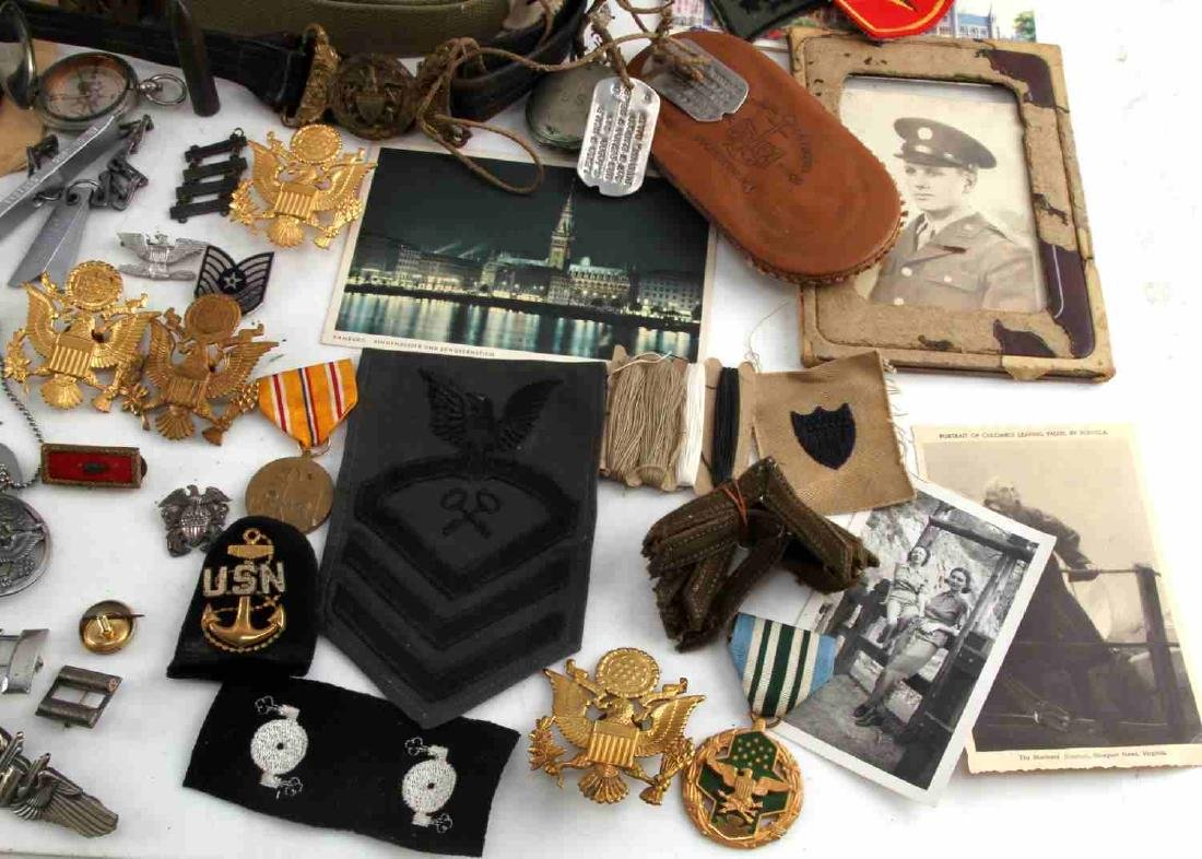 LOT OF MISCELLANEOUS US MILITARY COLLECTIBLES - 4