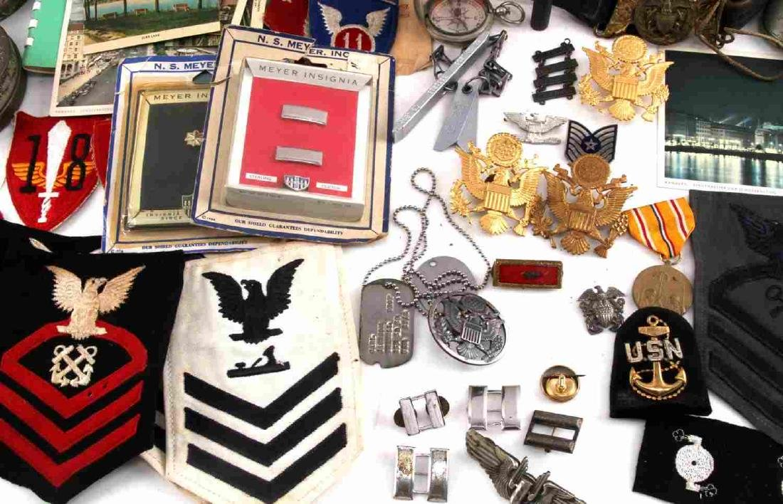 LOT OF MISCELLANEOUS US MILITARY COLLECTIBLES - 6