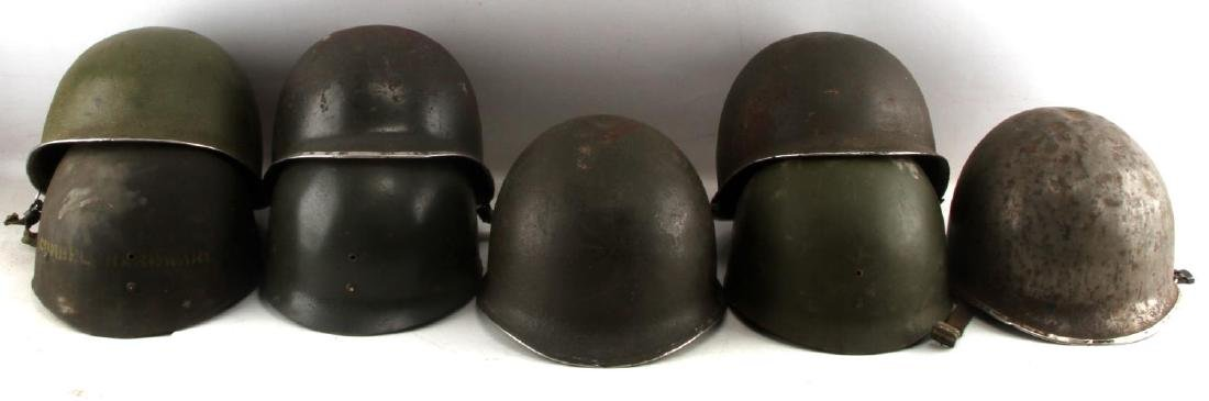 5 US WWII M1 SWIVEL BALE HELMETS WITH LINERS