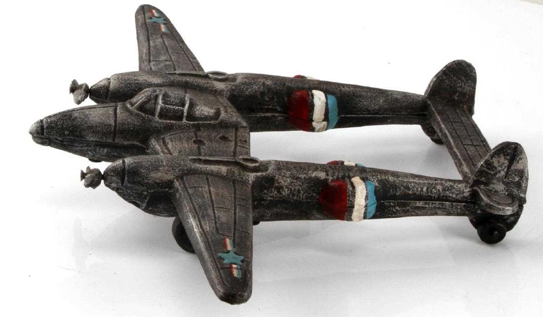 US WWII P38 LIGHTNING CAST IRON AIRPLANE MODEL