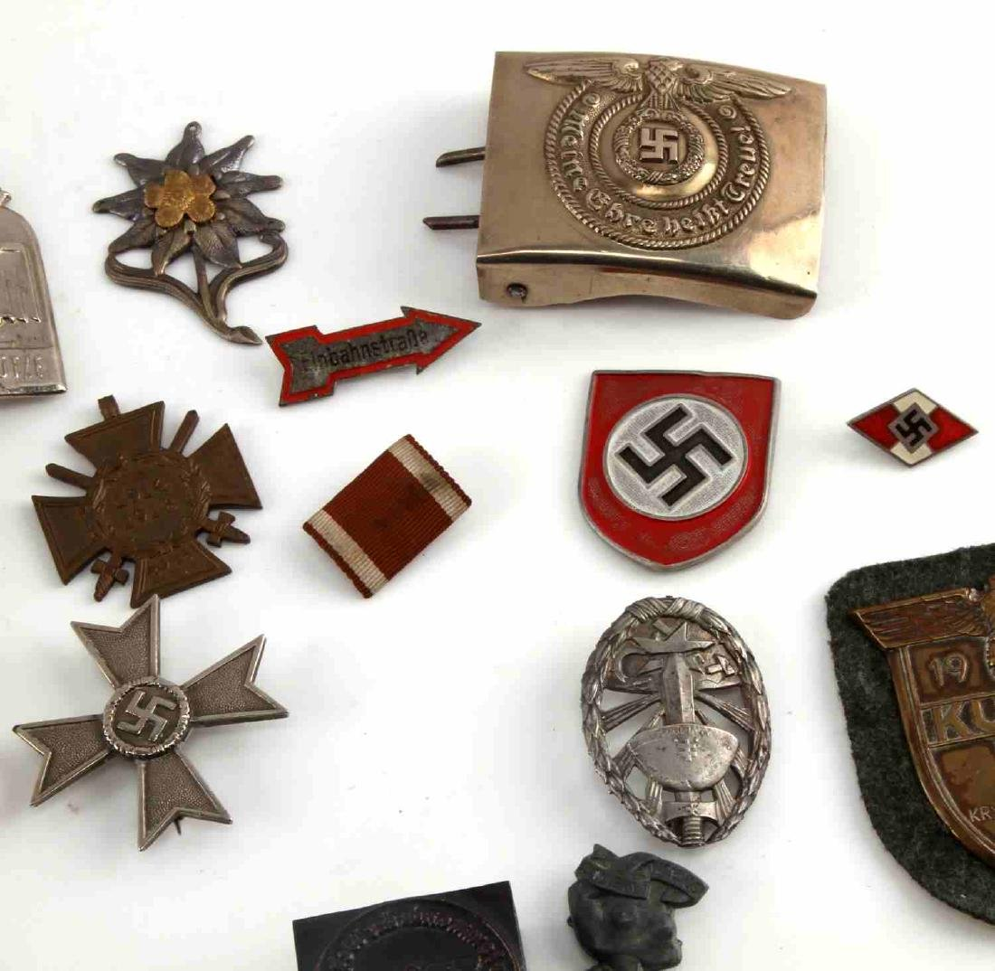 LARGE LOT OF 21 GERMAN WWII MEDALS PINS MORE - 3