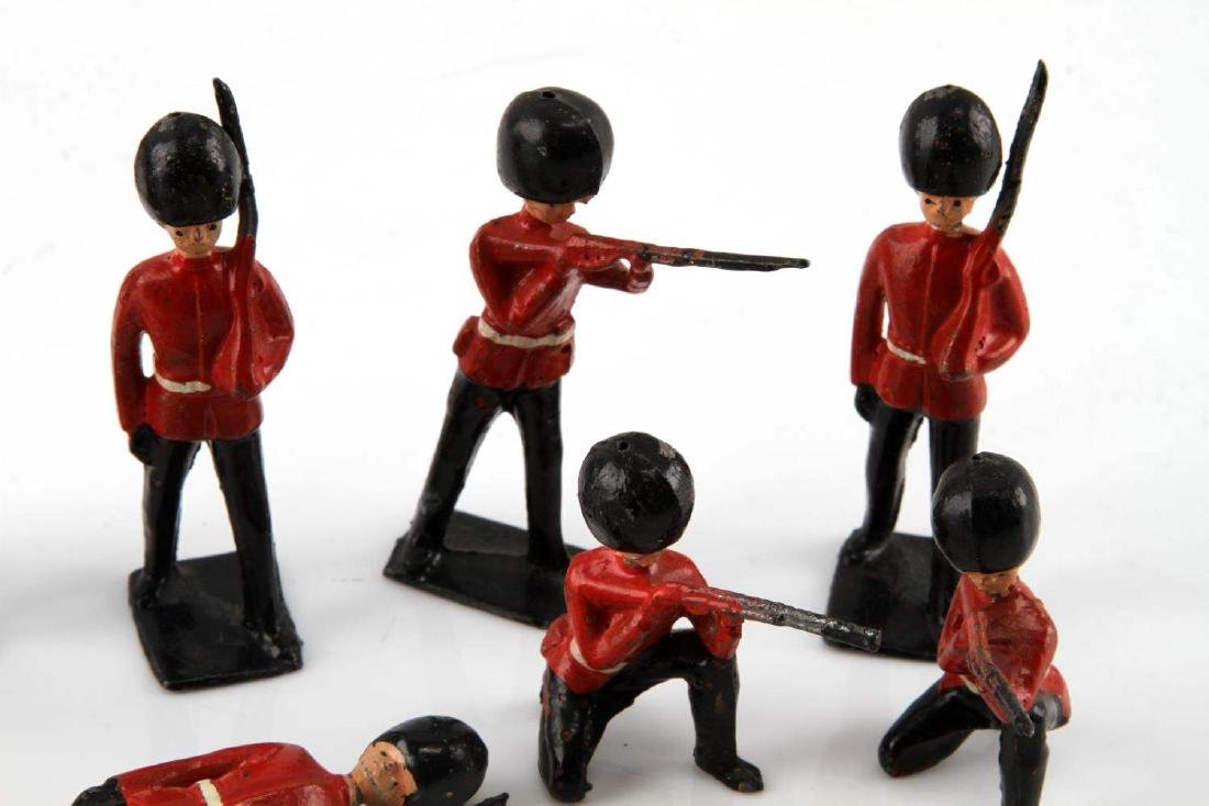 NINE BRITISH TOY SOLDIERS PALACE HONOR GUARDS - 3