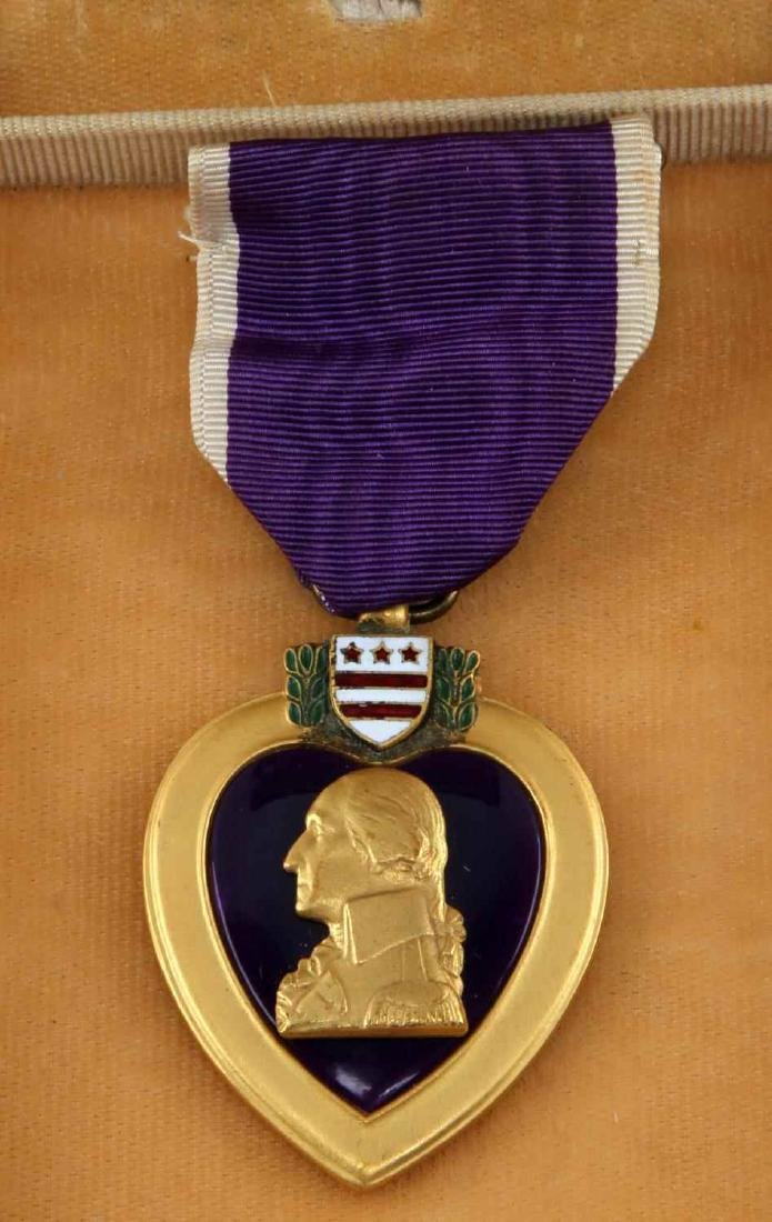 US MILITARY  NAMED PURPLE HEART WITH COFFIN CASE - 2