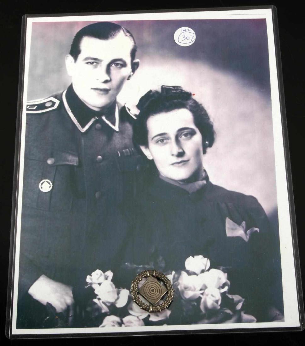 GERMAN WWII WAFFEN SS 1937 2ND CLS MARKSMAN BADGE