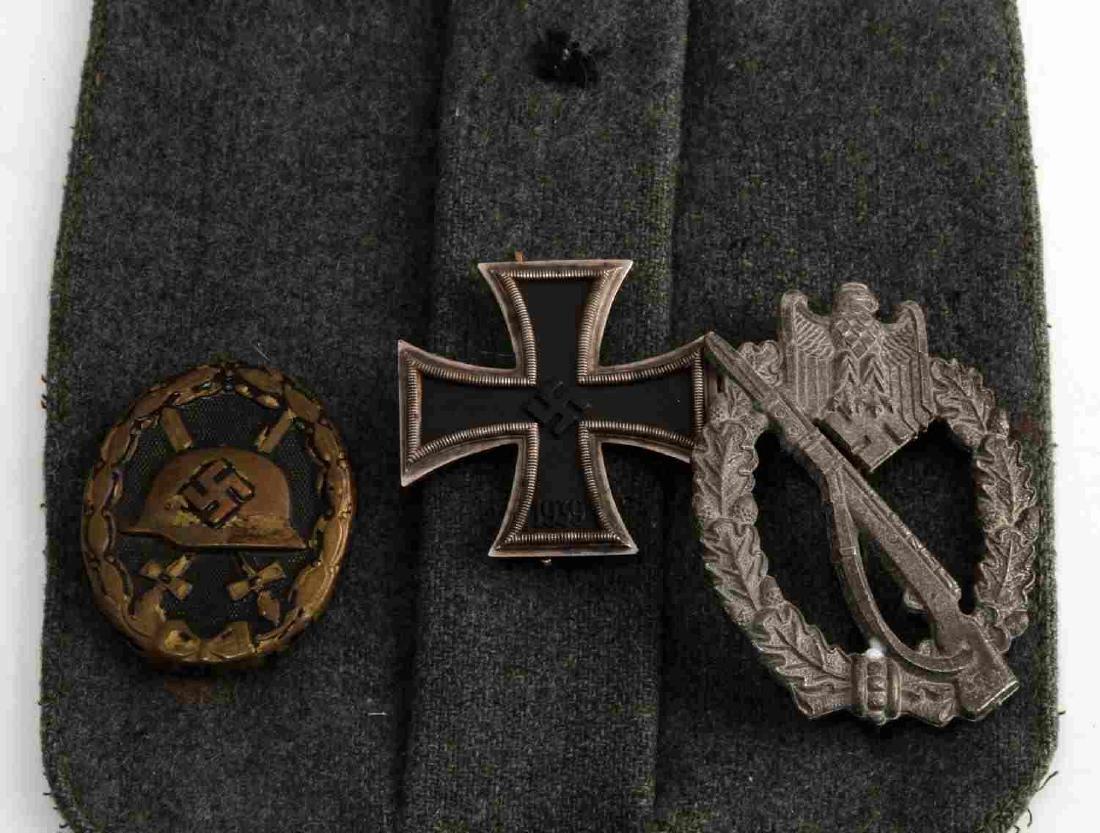 WWII GERMAN THIRD REICH BADGE SET ON POCKET - 2