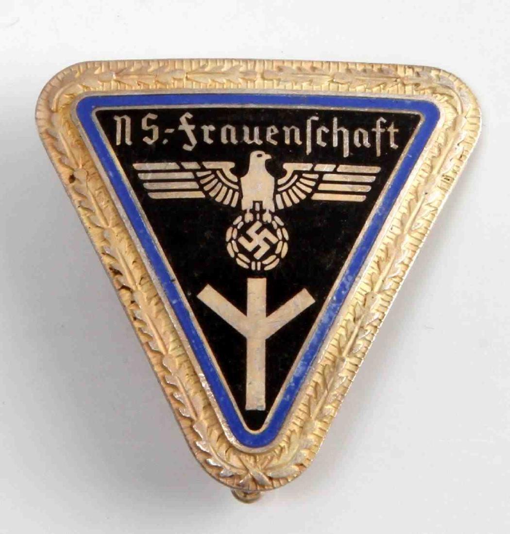 GERMAN FRAUENSCHAFT WOMENS SOCIALIST LEAGE BADGE