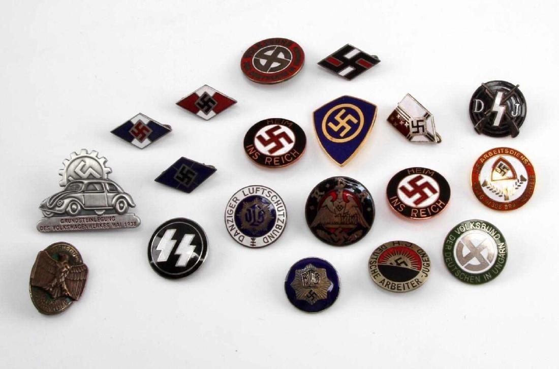 19 GERMAN WWII THIRD REICH PARTY BADGES RMZ