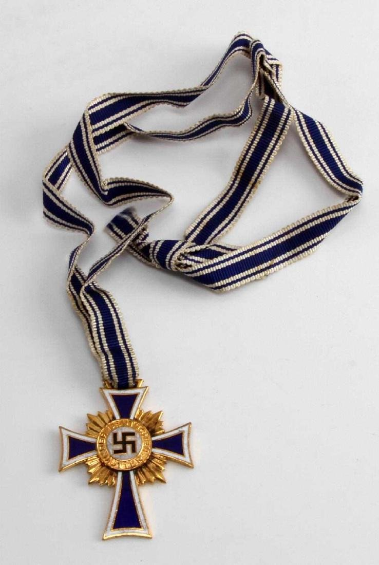 WWII GERMAN THIRD REICH MOTHERS MEDAL IN GOLD