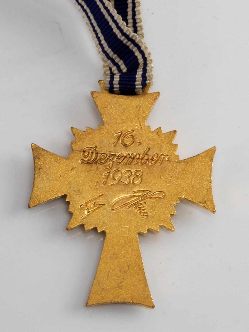 WWII GERMAN THIRD REICH MOTHERS MEDAL IN GOLD - 3