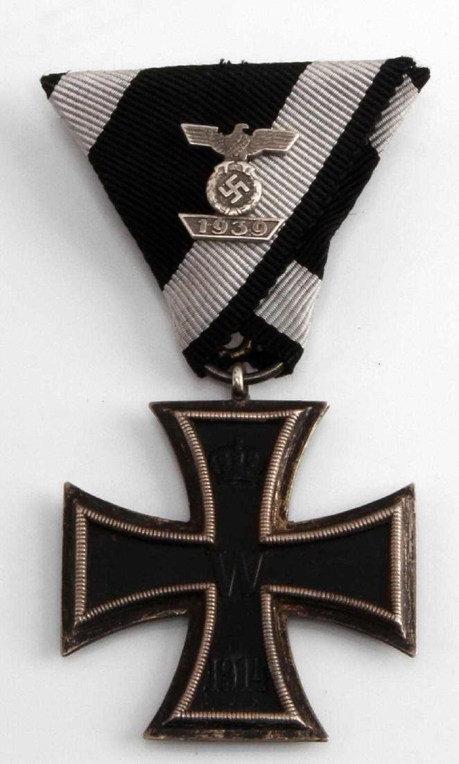 GERMAN WWI WWII IRON CROSS 2ND CLASS MEDAL