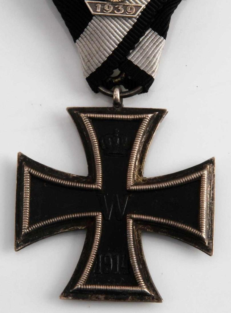 GERMAN WWI WWII IRON CROSS 2ND CLASS MEDAL - 2