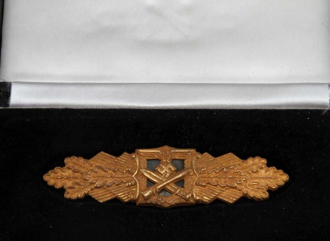 CASED GERMAN WWII HEER GOLD CLOSE COMBAT CLASP - 2