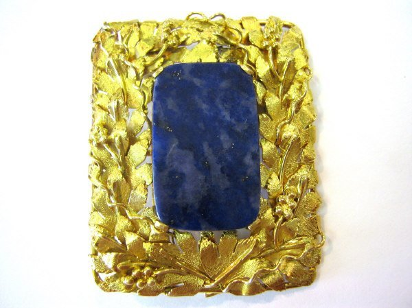 18K GOLD GRAPEVINE AND LAPIS PENDANT / BROOCH